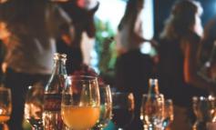 Κορωνοϊός: Σάλος από πάρτι 80 ατόμων στην Τουρκία παρά τα περιοριστικά μέτρα