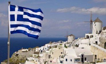 Κορoνοϊός στην Ελλάδα: Κλειστά μαγαζιά, ξενοδοχεία, απαγόρευση συναθροίσεων και αλλαγές στα ΜΜΜ