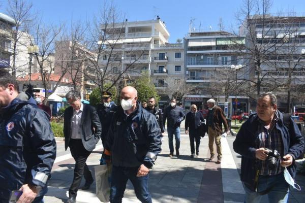 Κοροναϊός : Σε εξέλιξη έκτακτη σύσκεψη στη Λάρισα υπό τους Χαρδαλιά και Τσιόδρα