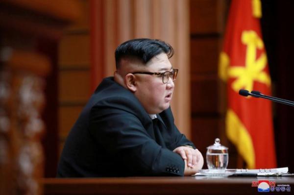 Ο Κιμ Γιονγκ Ουν δίνει μάχη για τη ζωή του – Οι κακές συνήθειες και η επέμβαση