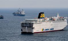 Στο λιμάνι του Πειραιά καταπλέει το «Ελ. Βενιζέλος» - 119 κρούσματα κορωνοϊού στο πλοίο