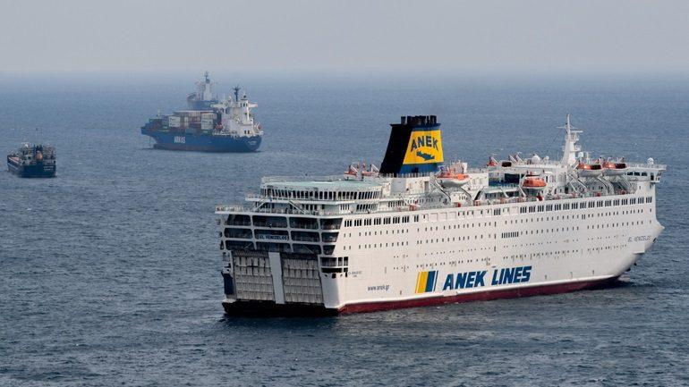 Στο λιμάνι του Πειραιά καταπλέει το «Ελ. Βενιζέλος» – 119 κρούσματα κορωνοϊού στο πλοίο