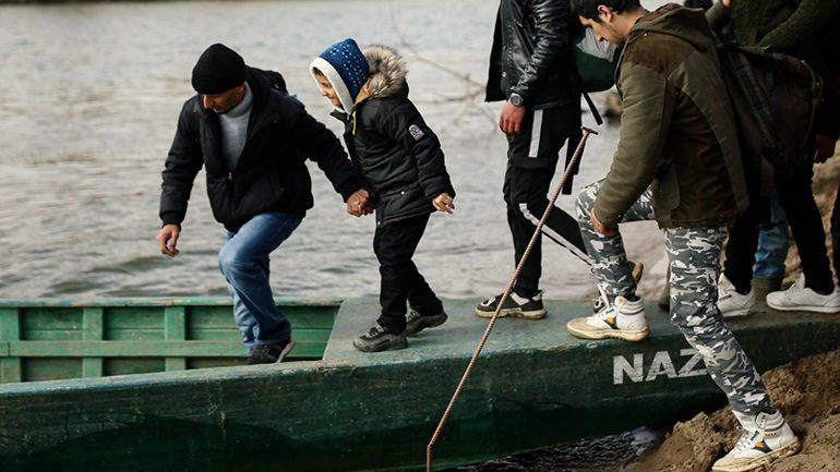 Μετανάστες με κορωνοϊό στέλνει ο Ερντογάν