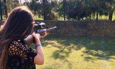 Μαθήματα… σκοποβολής σε παιδί – Αντί για τον στόχο βρήκε τον γείτονα