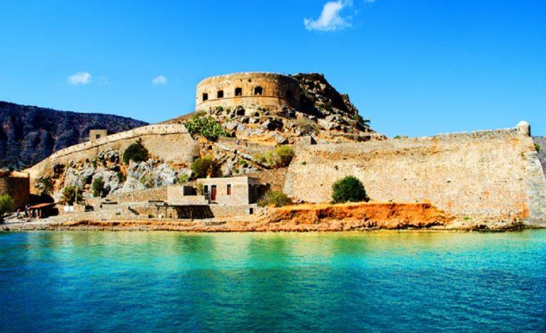 Το μικρό νησάκι στην Κρήτη που έγινε συνώνυμο του πόνου και της καραντίνας