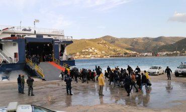 Λαθρομετανάστες από τη Τζιά προκάλεσαν επεισόδια εντός πλοίου κατά τη μεταγωγή τους στη Δομή της Καβάλας