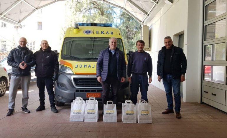 H Automotivo A.E.B.E. δωρίζει ιατρικές μάσκες στο ΕΚΑΒ