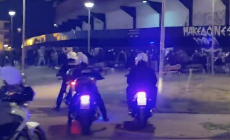 Ένταση στη Θεσσαλονίκη: «Δεκάδες οπαδοί του ΠΑΟΚ συγκεντρώθηκαν έξω από το γήπεδο της Τούμπας παρά την καραντίνα»