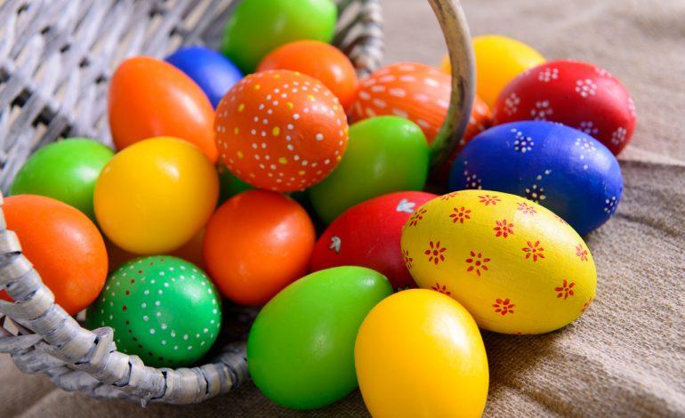 Βάφουμε τα Πασχαλινά αυγά