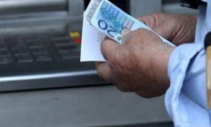 Μεγάλη Εβδομάδα… πληρωμών: Επιδόματα και δώρο Πάσχα – Νωρίτερα οι συντάξεις τον Απρίλιο