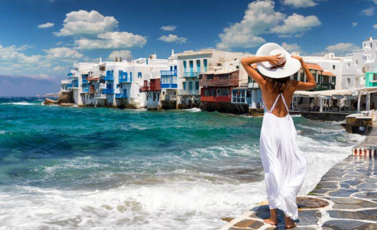 Συντριπτικές απώλειες στον τουρισμό: 21,5 εκατ. ταξιδιώτες χάνει η Ελλάδα