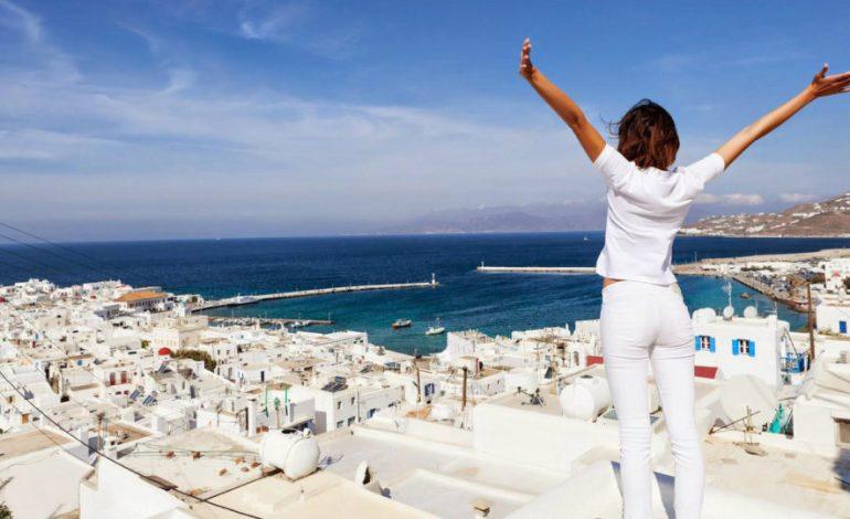 """Deutsche Bank: Πώς η Ελλάδα και άλλες μεσογειακές χώρες μπορούν να """"σώσουν"""" τον τουρισμό τους"""
