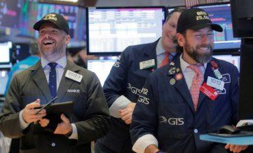 """""""Επιτάχυνε"""" στο τέλος η Wall, στις +380 μονάδες έκλεισε ο Dow Jones"""