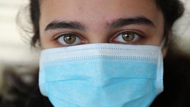 «Ισχυρή σύσταση» για μάσκα στα σούπερ μάρκετ, υποχρεωτική στις συγκοινωνίες