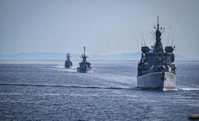 Εντυπωσιακή άσκηση του Πολεμικού Ναυτικού στο Αιγαίο