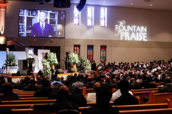 Συγκλονιστικές στιγμές στην κηδεία του Τζορτζ Φλόιντ