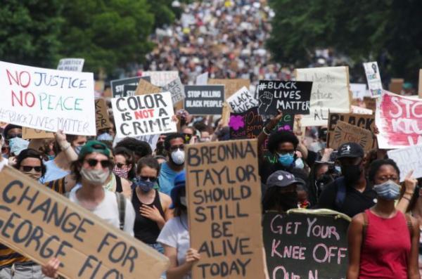 Τζορτζ Φλόιντ: Ακόμα μια μέρα μαζικών διαδηλώσεων – «Πλημμύρισε» η Ουάσινγκτον
