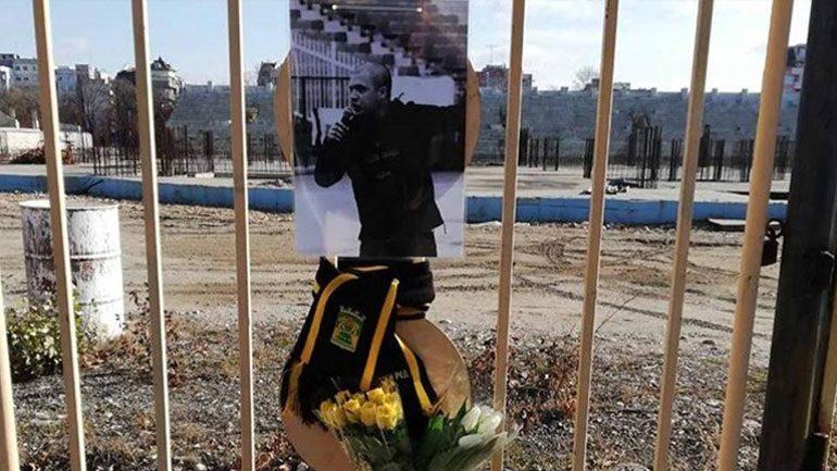 Χειροπέδες σε 26χρονη για τον θάνατο του Βούλγαρου οπαδού του Άρη – Διώξεις σε πέντε άτομα