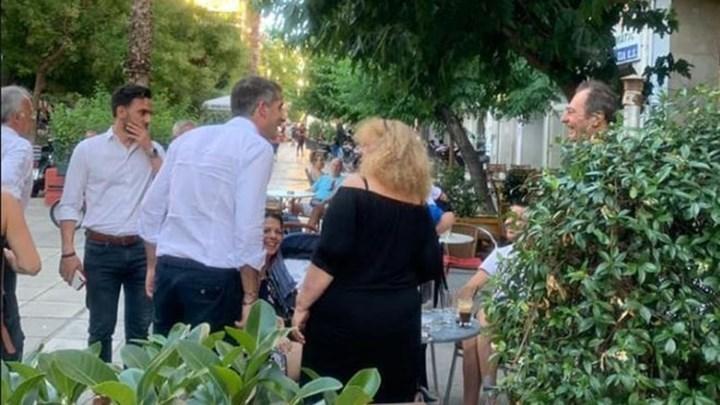 ΕΛ.ΑΣ.: Δύο συλλήψεις για την επίθεση που δέχτηκε ο Κώστας Μπακογιάννης στο Μεταξουργείο