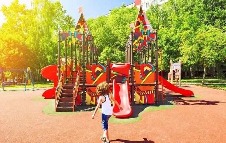 """Παιδικές Χαρές: Στους Δήμους πέταξε το ΥΠΕΣ το """"μπαλάκι""""της επαναλειτουργίας τους"""