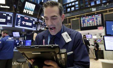Διεκόπη το ανοδικό σερί στην Wall -απώλειες 170 μονάδων για τον Dow