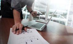 Ελεύθεροι επαγγελματίες: Βήμα – βήμα η αίτηση για τα 300 ή 534 ευρώ