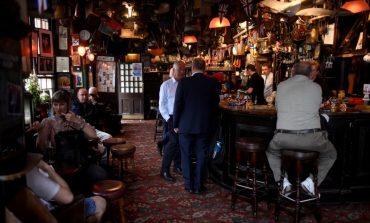 «Σούπερ Σάββατο» : Η Βρετανία επιστρέφει στην… κανονικότητα μετά από τρεις μήνες