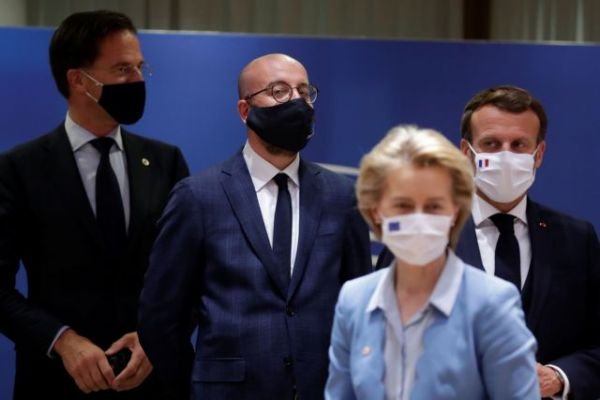 Financial Times: Παρά την ιστορική συμφωνία της ΕΕ, τα βαθιά ρήγματα επιβιώνουν