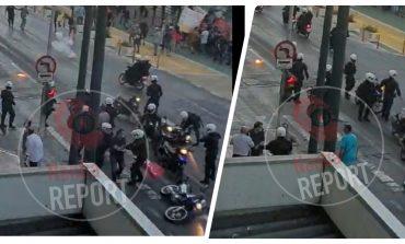 Ποινική δίωξη στον αστυνομικό που καταγγέλλεται για παρεμπόδιση σύλληψης διαδηλωτή