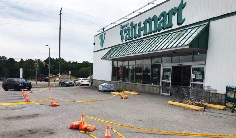 Καναδάς: Νεκρός από αστυνομικά πυρά ηλικιωμένος που αρνήθηκε να φορέσει μάσκα σε κατάστημα και επιτέθηκε σε υπάλληλο
