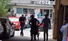 Επίθεση με τσεκούρι στην Κοζάνη: Παραμένουν σε κρίσιμη κατάσταση δύο τραυματίες