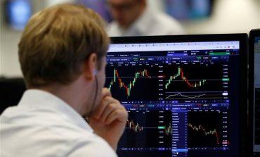 """Στο """"κόκκινο"""" έκλεισε ο Ιούλιος για το Χρηματιστήριο - Βουτιά 16,8% στις τράπεζες"""
