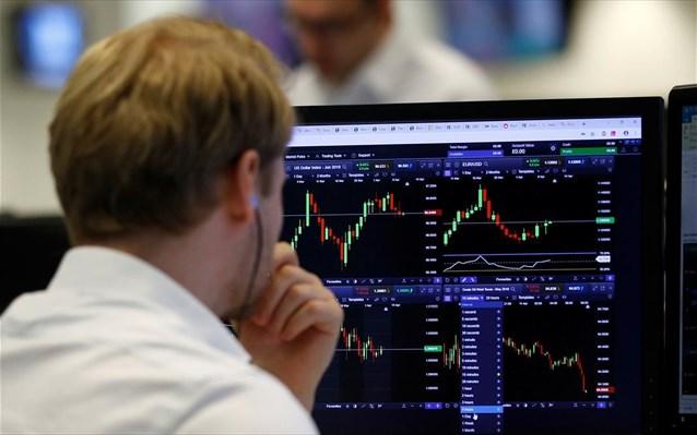 Στο «κόκκινο» έκλεισε ο Ιούλιος για το Χρηματιστήριο – Βουτιά 16,8% στις τράπεζες
