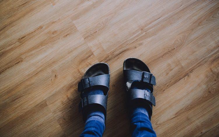 Κάλτσα με σανδάλι : Τελικά γιατί τα αγαπούν οι Γερμανοί;