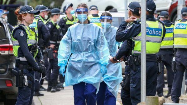 Κοροναϊός:  Εκατομμύρια υποχρεωτικά τεστ στη Βρετανία – Εκτεταμένο lockdown στην Αυστραλία