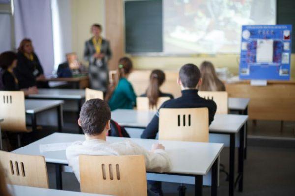 Τα επικρατέστερα σενάρια για το άνοιγμα των σχολείων – Τι προβλέπεται σε περίπτωση κρούσματος