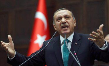 Guardian: Νταής και απειλή ο Ερντογάν – Οι Ευρωπαίοι ηγέτες στρουθοκαμηλίζουν, δεν γίνεται να αγνοούν