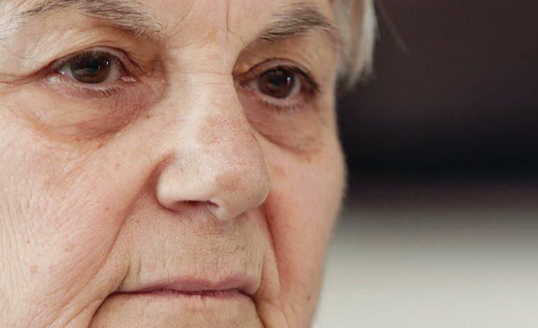 Η Γιαγιά τι σου έφταιξε ;  Μια ιστορία αποξένωσης.