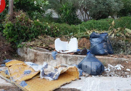 """Καταγγελία αναγνώστη: """"Νέα Ερυθραία, ένας απέραντος σκουπιδότοπος"""""""