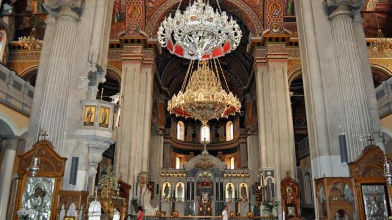 Αλγερινός με σφυρί «τα έκανε λαμπόγιαλο» στον Ι.Ν. του Αγίου Μηνά, προστάτη του Ηρακλείου
