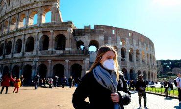 """Πού οφείλεται η επιτυχία Ιταλίας και Σουηδίας απέναντι στο """"δεύτερο κύμα"""" του κορονοϊού"""