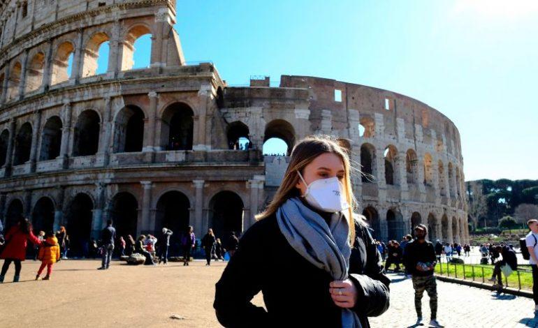 Πού οφείλεται η επιτυχία Ιταλίας και Σουηδίας απέναντι στο «δεύτερο κύμα» του κορονοϊού