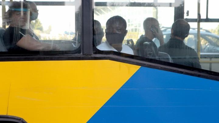 Πάνω από 1.000 ελέγχους σε λεωφορεία έκανε το Σάββατο η Τροχαία για μάσκες και υπεράριθμους επιβάτες