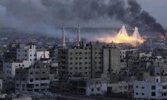 Ισραηλινά αεροσκάφη και άρματα μάχης έπληξαν εγκαταστάσεις της Χαμάς στη Γάζα