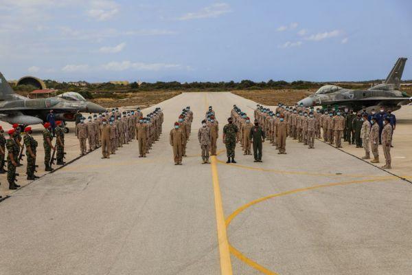 Επίσημη επίσκεψη του αρχηγού των Ενόπλων Δυνάμεων των ΗΑΕ – Συνάντηση με τον ΑΓΕΕΘΑ Φλώρο