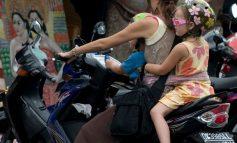 Κάθισμα μέχρι τα 12 στο αυτοκίνητο – Μετά τα 16 τα παιδιά σε μηχανάκι