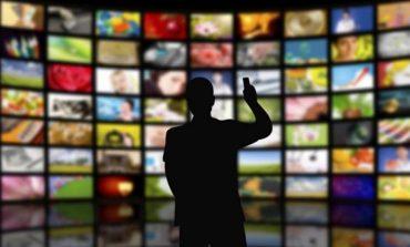Αναστέλλεται για 1 έτος το τέλος της συνδρομητικής τηλεόρασης