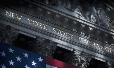 Άλμα 450 μονάδων για τον Dow, νέα ιστορικά υψηλά για S&P 500 και Nasdaq