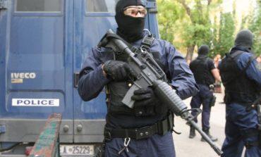 Γιάφκα με όπλα και εκρηκτικά εντοπίστηκε στο Κουκάκι – Σε εξέλιξη μεγάλη επιχείρηση της Αντιτρομοκρατικής