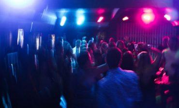 Κορονοϊός: Συναγερμός για τα πάρτι σε βίλες της Αττικής - Πώς οργανώνονται, τι εξετάζει η ΕΛ.ΑΣ.